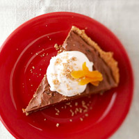 Chocolate Amaretto-Apricot Crunch Pie