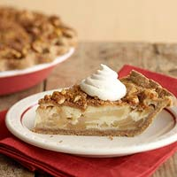 Sour Cream Apple Pie with Gingerbread Crust