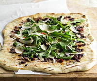 Olive and Arugula Flatbread Pizza Salad