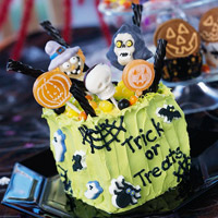 Trick-or-Treat-Bag Cakes