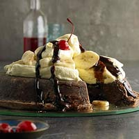 Upside-Down Banana Split Pie