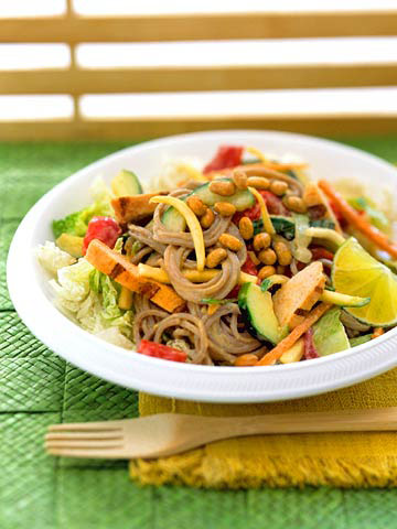 Thai Chicken and Soba Noodle Salad | Midwest Living