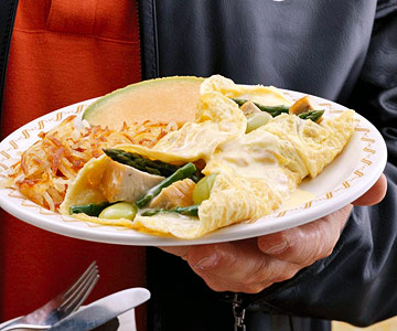 Chicken divan style omelet midwest living chicken divan style omelet forumfinder Images