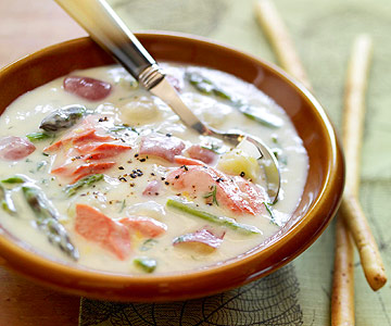 Great Lakes Salmon Chowder | Midwest Living