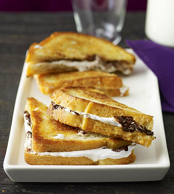 Chocolate-Marshmallow Sandwiches