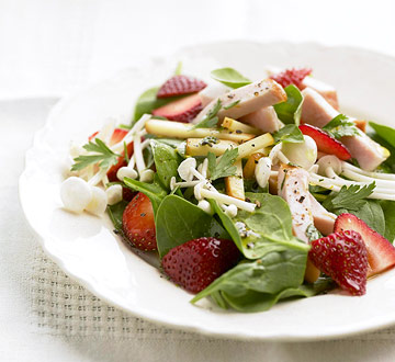Strawberry Spinach Salad with Hickory-Smoked Chicken | Midwest Living