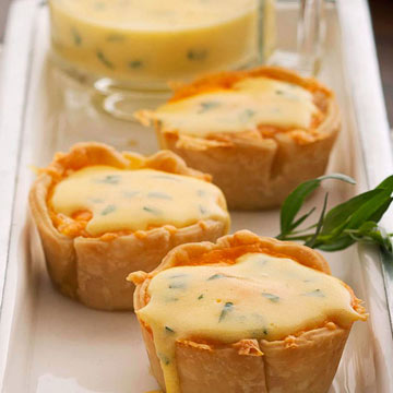 Awesome Mini Egg Pastries With Bearnaise Sauce