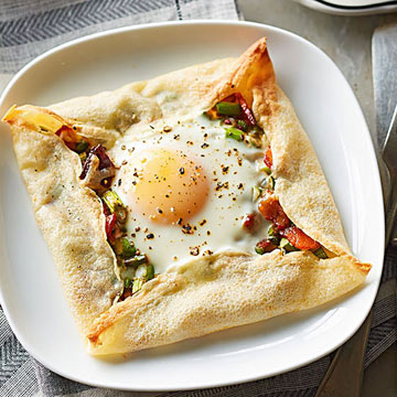 Crepe-Framed Eggs with Asparagus Hash | Midwest Living