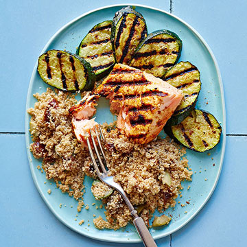 Moroccan-Spiced Salmon and Zucchini | Family Circle