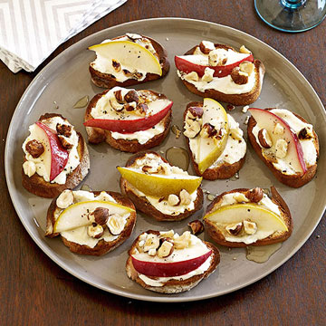 Pear, Goat Cheese and Hazelnut Crostini | Family Circle