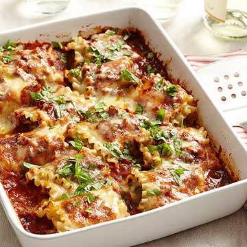 Cheesy Pesto-Meatball Lasagna Rolls | Midwest Living