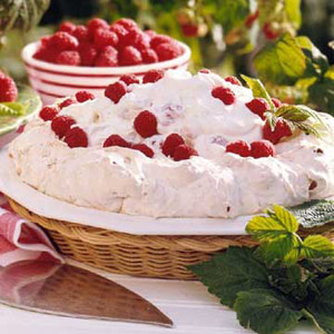 Raspberry Soda-Cracker Pie