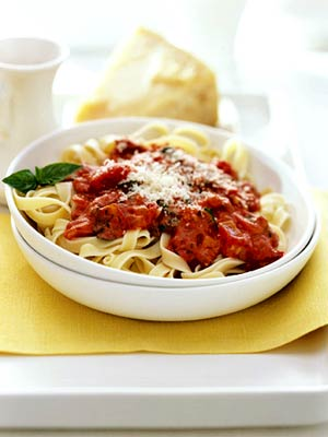 Tomato Vodka Cream Pasta Sauce with Fettuccine