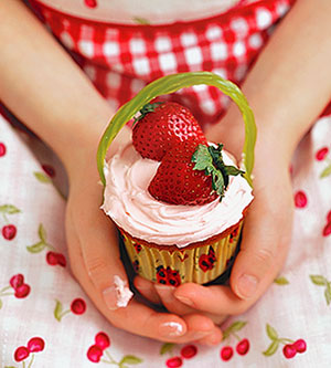 Pretty-n-Pink Strawberry Cupcakes
