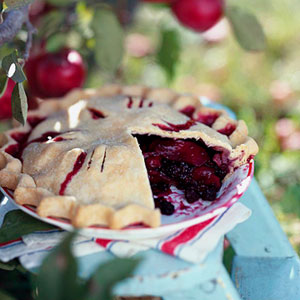 Berry-Apple Fantasy Pie