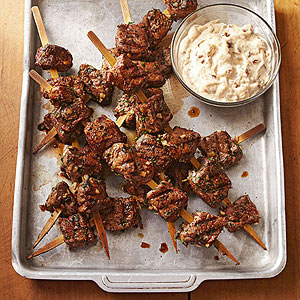 Grilled Sirloin Kabobs with Zesty Top City Sauce 