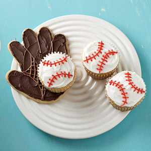 Catch-A-Baseball Cupcakes