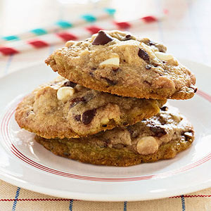Michelle Obama's Mama Kaye?s White and Dark Chocolate Chip Cookies