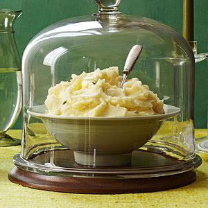 Extremely Tempting Garlic-Herb Mashed Potatoes