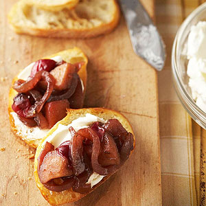 Caramelized Onion-and-Cranberry Cheese Toasts