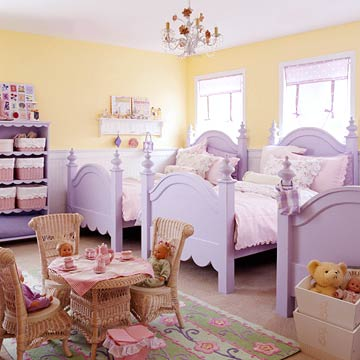 Shared spaces bedrooms for two kids for Bedroom ideas for girls sharing a room
