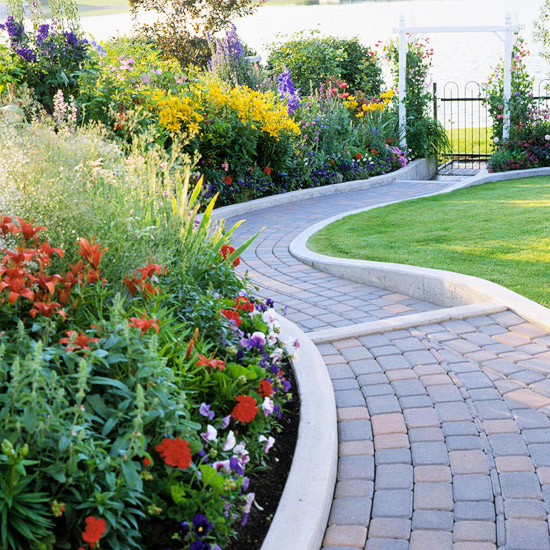 Varying Heights Add Interest And Allow For A Stable Transition On A Slope  Or Uneven Landscape. Diagonal Brick Garden Edging