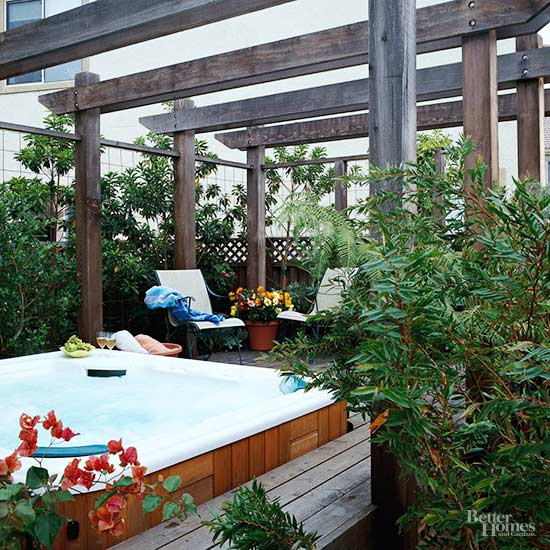 Privacy solutions for your deck for Balcony privacy solutions