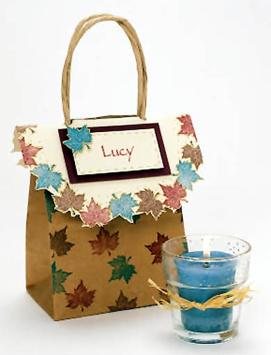 Maple Leaf Favor