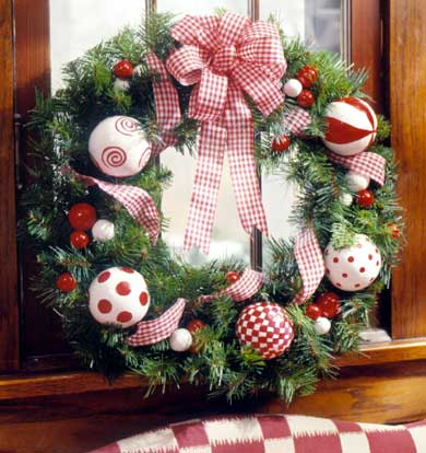 Red-and-White Balls Wreath