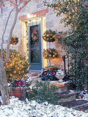 Outdoor Holiday Lighting Tips
