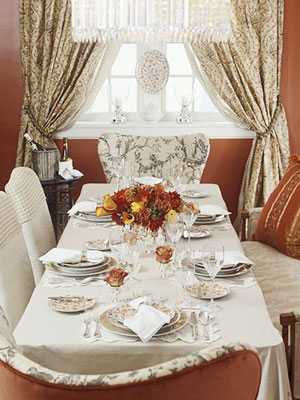 New Ways to Use Your Good China: Two Thanksgiving Table Settings