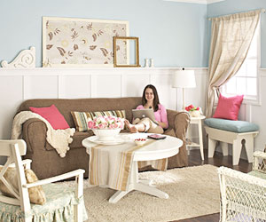 Hand-Me-Down Living Room Makeover: Refresh Old Furniture with These Tricks!