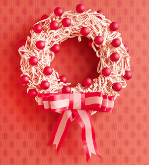 3 Easy Holiday Wreaths: Step-by-Step Instructions for Winter
