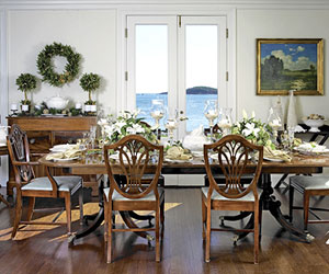 Elegant Holiday Table Settings