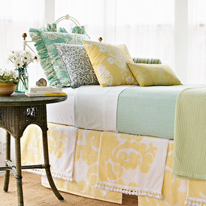 3 Projects to Make Using Towels: Make a Roman Shade, Bed Skirt, and Pillowcase out of Towels