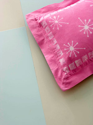 Creative Pillow Designs Using Bleach