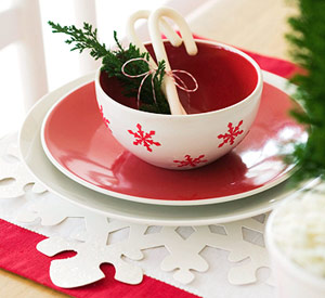 How to Make Snowflake Dinnerware
