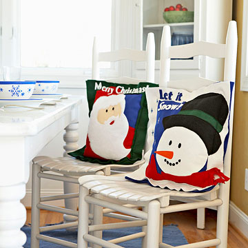 Make a Felted-Wool Santa Claus Pillow for Christmas