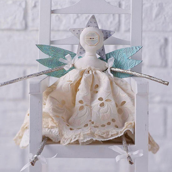 Holiday Decor: Simple Angel Wall Hanging