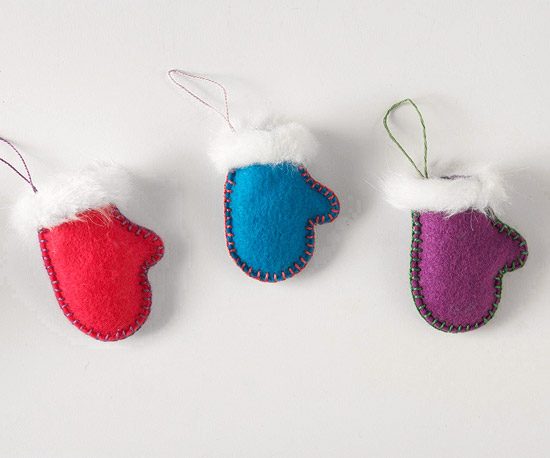 Make a felt mitten and ice skate ornament - How to make felt christmas decorations ...