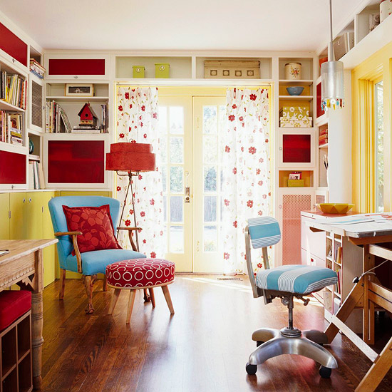 Idea-Packed Home Office for the Whole Family