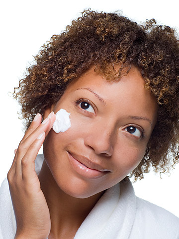 Look Younger: Minimize Your Pores