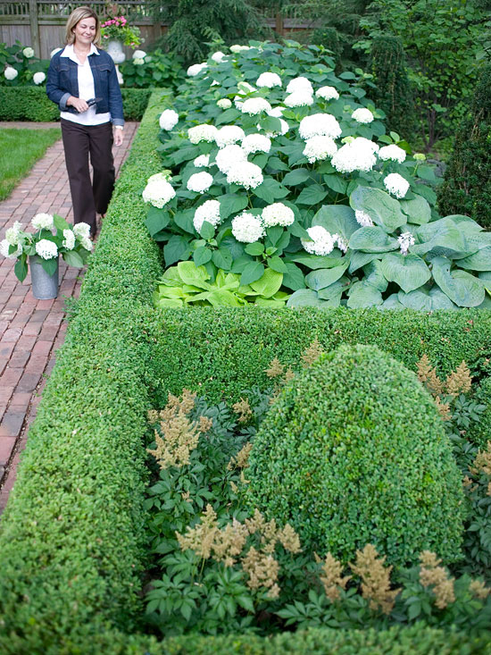 Create Formal Style In Your Landscape