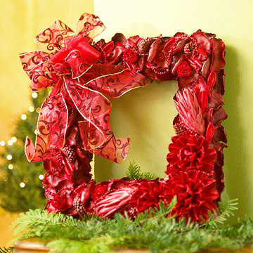 Make a Square Christmas Wreath From Dried Flowers
