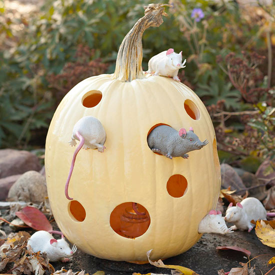 Make a Mouse-House Pumpkin