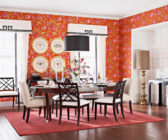 Video: Arranging a Dining Room