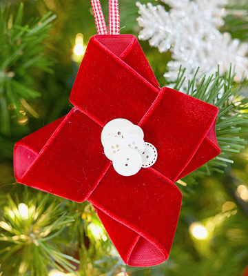 Make a Christmas Ornament from Red Velvet Ribbon