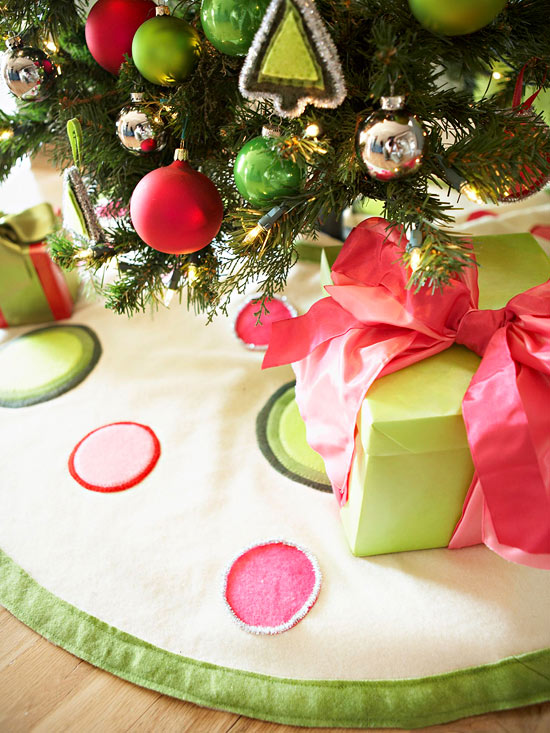 Modern Christmas Tree Skirt for the Holidays