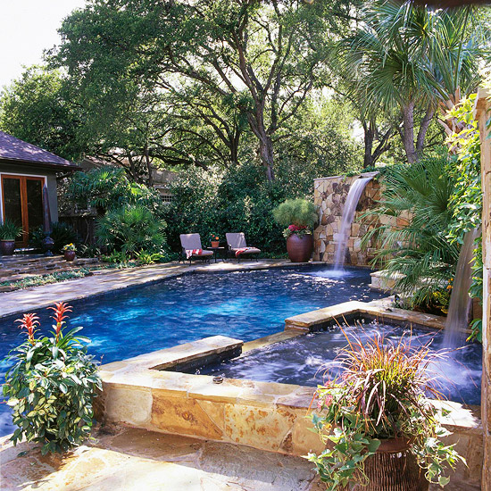 Pool Tour: Backyard-Turned-Paradise