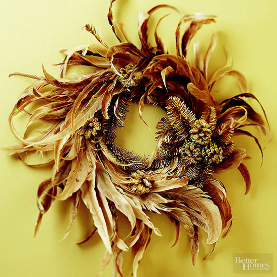 Create a Golden Feather Christmas Wreath